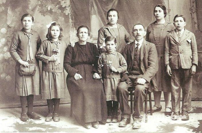 Favoloso Ritratto Di Famiglia Anni 30 | Storylab CJ83